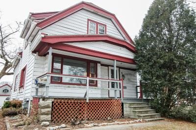 Milwaukee Single Family Home Active Contingent With Offer: 3725 S Pine Ave