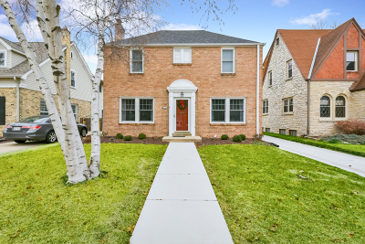 Whitefish Bay Single Family Home Active Contingent With Offer: 5564 N Kent Ave