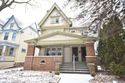 Milwaukee WI Two Family Home For Sale: $425,000