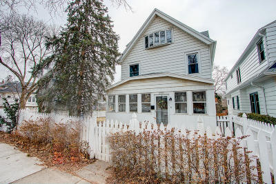 Milwaukee Single Family Home For Sale: 2727 E Oklahoma Ave