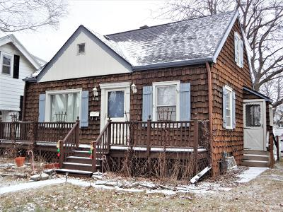 Milwaukee Single Family Home Active Contingent With Offer: 4170 S 1st Pl