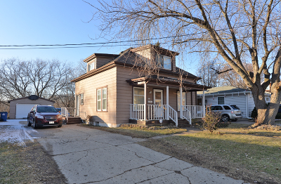 Racine Single Family Home For Sale: 1112 Jefferson St
