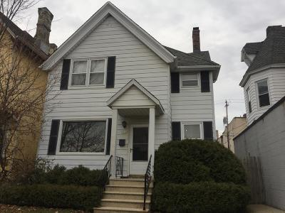 Milwaukee Single Family Home For Sale: 1932 N Farwell Ave