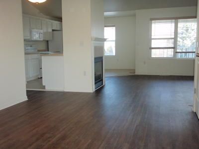 West Allis Condo/Townhouse Active Contingent With Offer: 11403 W Oklahoma Ave