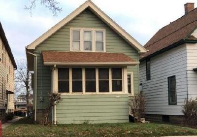 Milwaukee County Single Family Home For Sale: 1548 S 72nd St