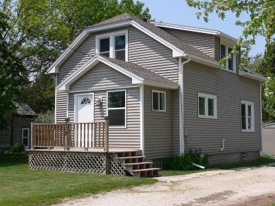 Howards Grove Single Family Home Active Contingent With Offer: 812 College Ave