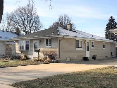 Kenosha Single Family Home Active Contingent With Offer: 2618 26th Ave