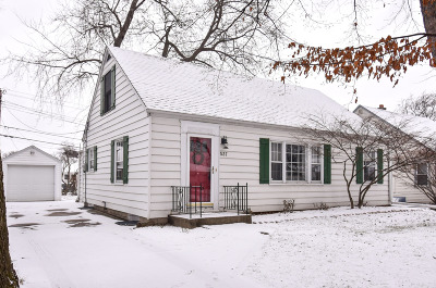Single Family Home Active Contingent With Offer: 537 N 112th St