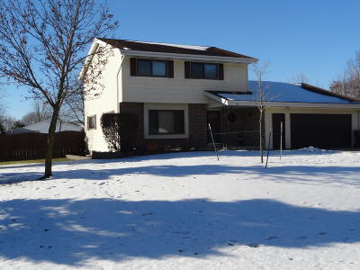 West Bend Single Family Home Active Contingent With Offer: 6825 Eastwood Trl