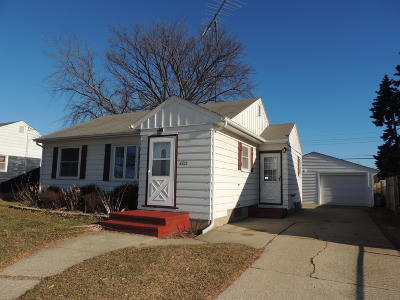 Kenosha Single Family Home Active Contingent With Offer: 4703 33rd Ave