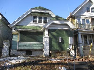 Milwaukee Single Family Home For Sale: 3363 N 24th Pl
