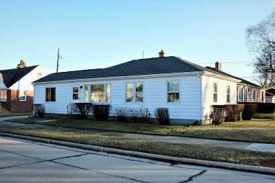 Racine Single Family Home For Sale: 1317 Lombard Ave
