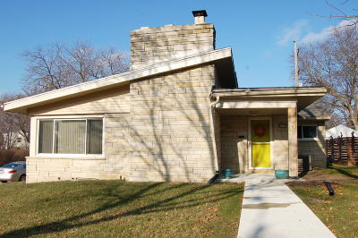Milwaukee Single Family Home Active Contingent With Offer: 9430 W Burleigh St