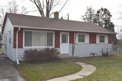 Racine Single Family Home Active Contingent With Offer: 3419 Elderberry Rd
