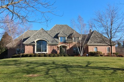 Mequon Single Family Home For Sale: 11414 N Justin Dr