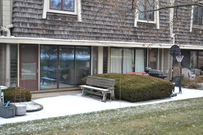 South Milwaukee Condo/Townhouse For Sale: 3333 5th Ave #4D