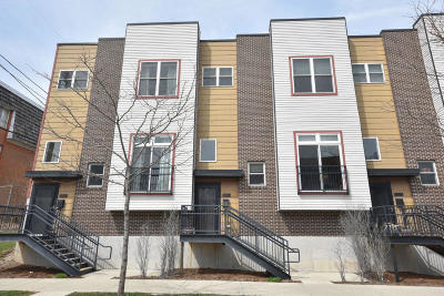 Milwaukee Condo/Townhouse For Sale: 1822 E Greenwich Ave