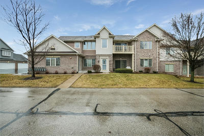 Kenosha Condo/Townhouse Active Contingent With Offer: 3223 55th Ct #65