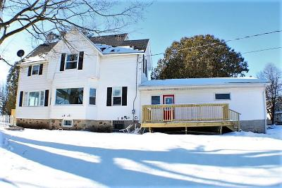 Plymouth Single Family Home Active Contingent With Offer: 105 N Park Pl