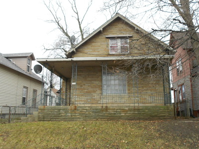 Racine Single Family Home For Sale: 1224 Highland Ave