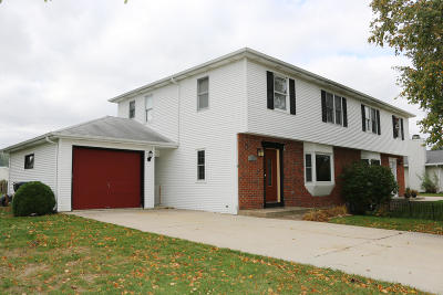 Plymouth Single Family Home For Sale: 135 Beth Cir