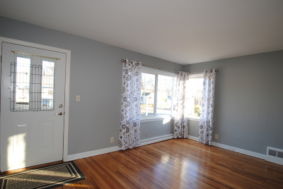 Single Family Home Active Contingent With Offer: 4175 S 5th Pl