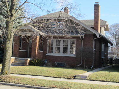 Racine Single Family Home Active Contingent With Offer: 1305 Blaine Ave