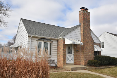 Milwaukee Single Family Home Active Contingent With Offer: 181 S 80th St