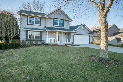 Pleasant Prairie WI Single Family Home Active Contingent With Offer: $279,900