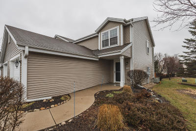 Waukesha Condo/Townhouse For Sale: 2159 E Broadway #D