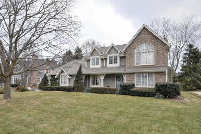 Racine Single Family Home Active Contingent With Offer: 5035 Worsley Ln