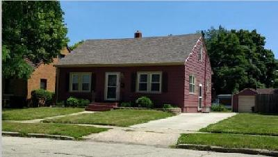 Kenosha Single Family Home Active Contingent With Offer: 7407 18th Ave