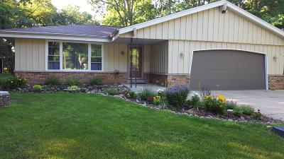 Mukwonago Single Family Home For Sale: S75w31625 Arbor