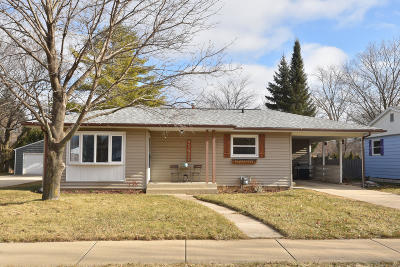 Cedarburg Single Family Home For Sale: W67n408 Grant Ave