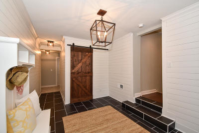 Brookfield Single Family Home Active Contingent With Offer: 13560 Hope St