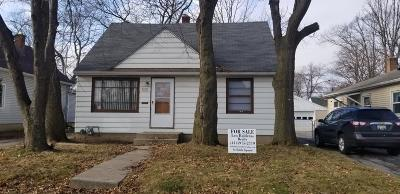 Milwaukee Single Family Home For Sale: 5217 N 61st
