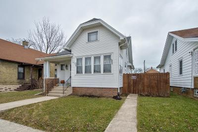 Racine Single Family Home For Sale: 2205 Superior St