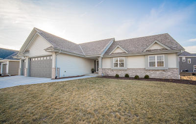 Menomonee Falls Single Family Home Active Contingent With Offer: N61w13877 Weyer Farm Dr