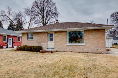 West Allis Single Family Home For Sale: 2780 S 76th St