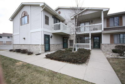 Kenosha Condo/Townhouse Active Contingent With Offer: 7304 98th Ave #Unit K