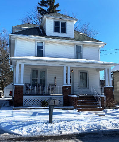 Hartford Single Family Home Active Contingent With Offer: 604 Center St