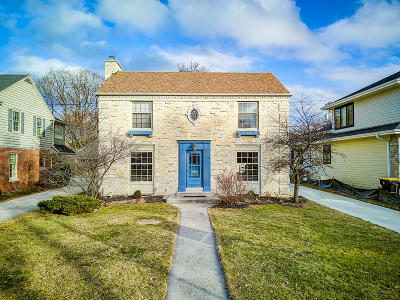 Wauwatosa Single Family Home For Sale: 2638 Pasadena Blvd