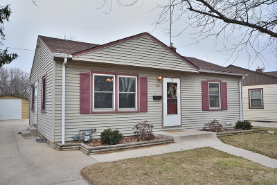 Single Family Home For Sale: 181 N 91st St