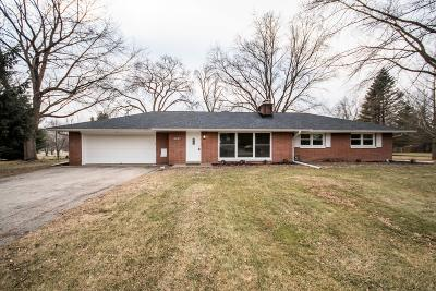 Brookfield Single Family Home For Sale: 17645 Country Ln