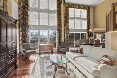 Lake Geneva Condo/Townhouse Active Contingent With Offer: 1432 Highland Dr