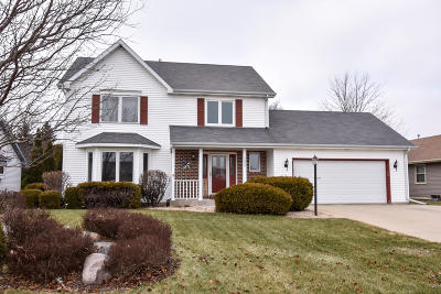 Racine Single Family Home Active Contingent With Offer: 5822 Winstar Ln