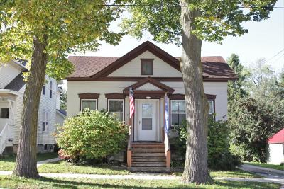 Watertown Single Family Home For Sale: 916 N 4th St