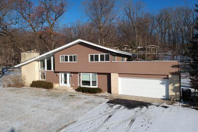 Lake Geneva Single Family Home Active Contingent With Offer: W3144 Geneva Bay Dr