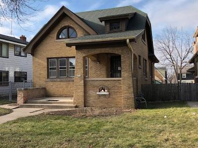 Milwaukee Single Family Home For Sale: 4151 N 16th St