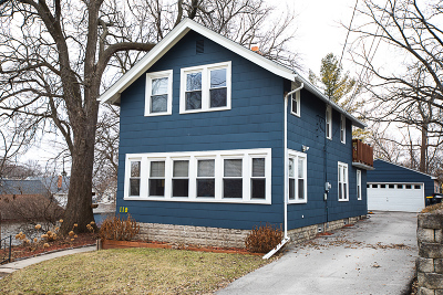 Waukesha Single Family Home For Sale: 119 Caldwell St